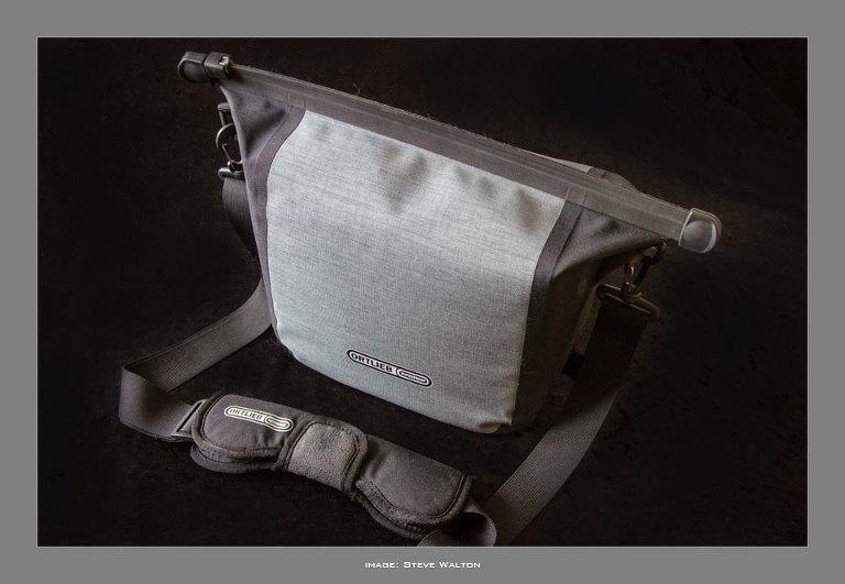 Aqua Cam and Aqua Zoom camera bags